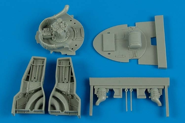 F8F-1 Bearcat wheel bay Hobby boss - Image 1