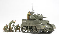 US Light Tank M5A1 - Pursuit Operation w/4 Figures